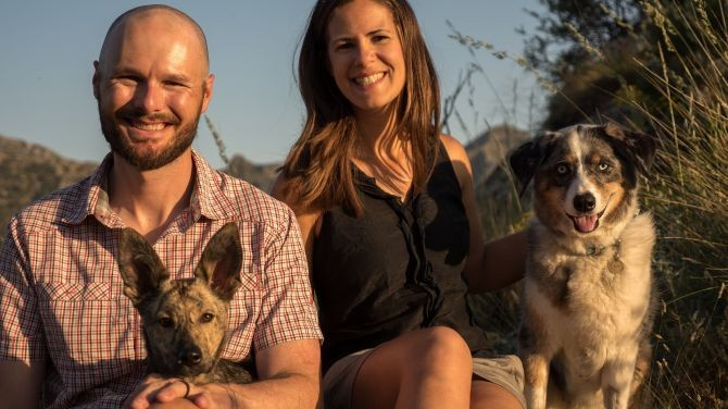Vegtravelbuddies' Interview with Jen Sotolongo and Dave Hoch of Long Haul Trekkers