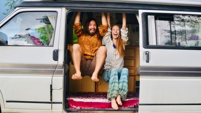 Vegtravelbuddies' Interview with Sophie and Paul from Vegan on Board